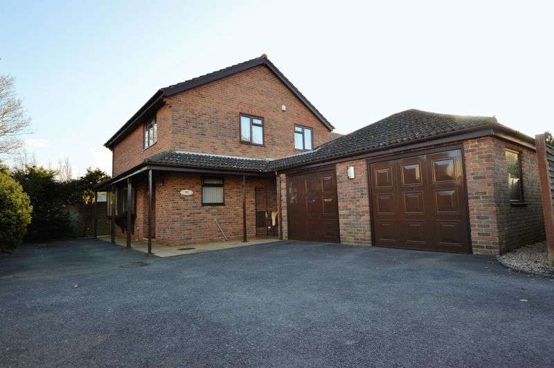 4 Bedrooms Property for sale in Southleigh Road, Havant