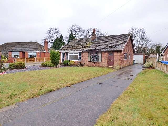 3 Bedrooms Bungalow for sale in Campbell Crescent, Great Sankey, Warrington