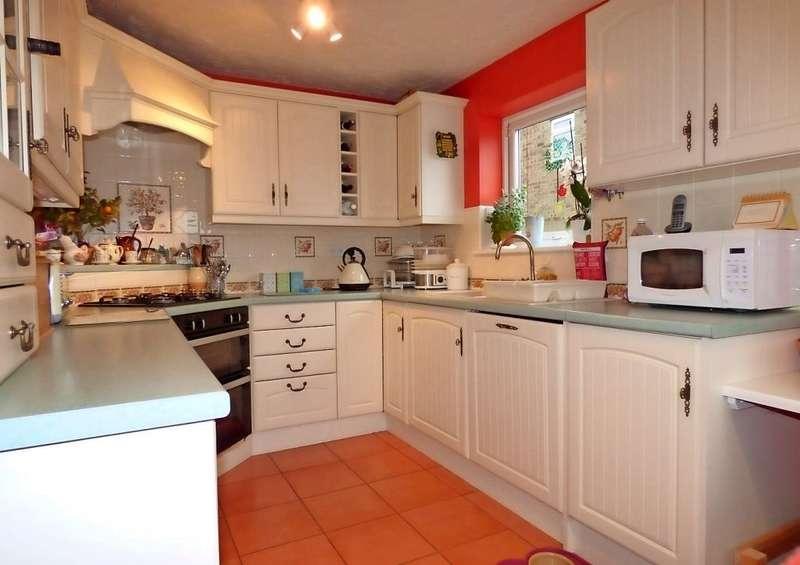 6 Bedrooms Semi Detached House for sale in Chapel Close, Marske by the Sea, Redcar, TS11 6DE