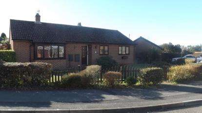 3 Bedrooms Bungalow for sale in Sarisbury Green, Southampton, Hampshire