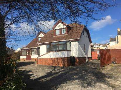 2 Bedrooms Bungalow for sale in Preston, Paignton, Devon