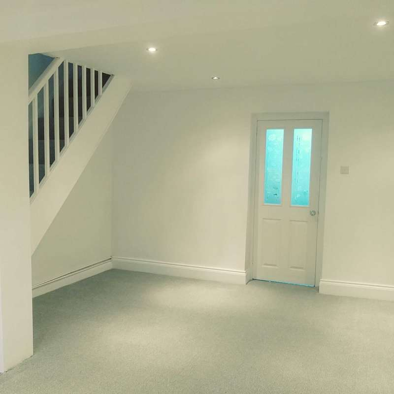 2 Bedrooms Terraced House for rent in Gwilym Road, Cwmllynfell