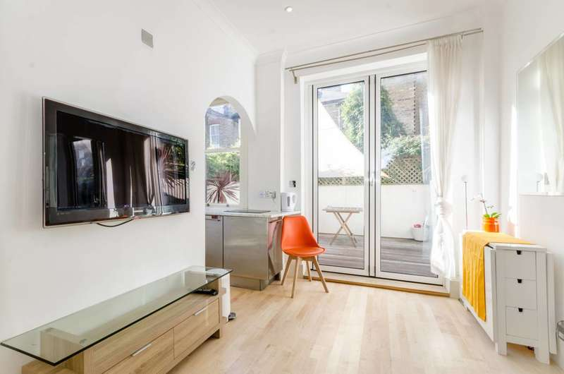 1 Bedroom Flat for sale in Buer Road, Parsons Green, SW6