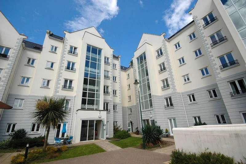 1 Bedroom Flat for sale in La Charroterie Mills, St. Peter Port, Guernsey
