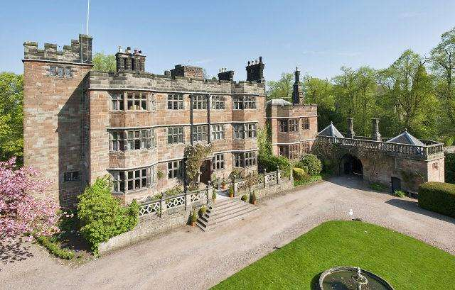 18 Bedrooms Castle Character Property for sale in The Square, Caverswall,