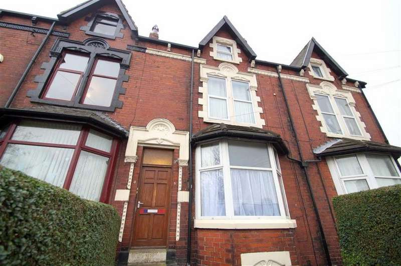 4 Bedrooms Terraced House for sale in Lucy Avenue, Leeds