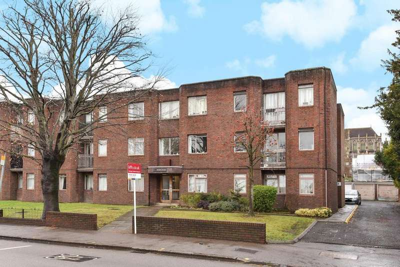 2 Bedrooms Flat for sale in Worple Road, Wimbledon