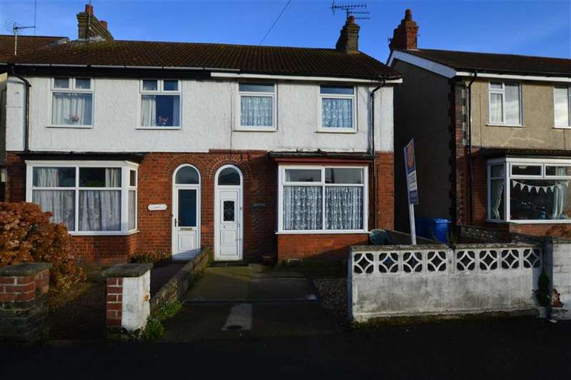 3 Bedrooms Semi Detached House for sale in Cliff Road, Hornsea, East Yorkshire