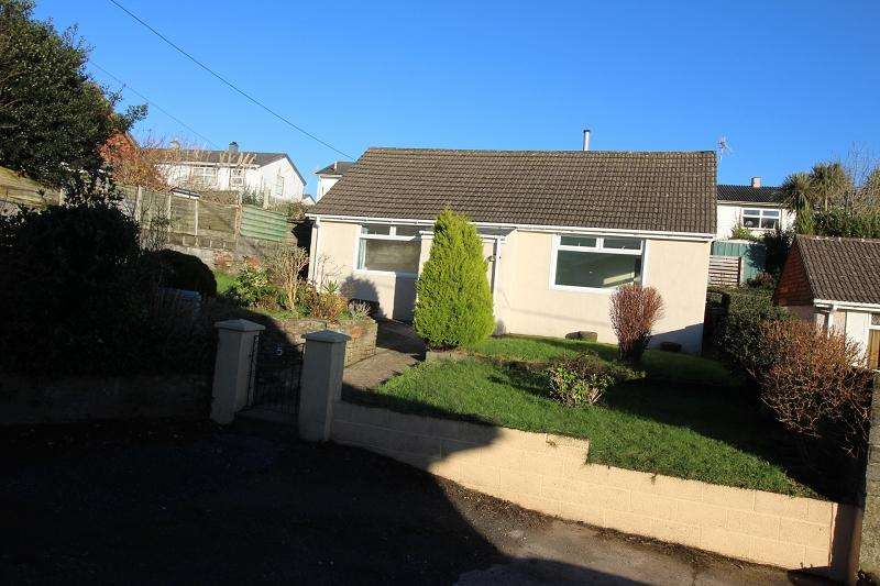 2 Bedrooms Bungalow for sale in Beach Hill, Milford Haven, Pembrokeshire. SA73 2QN
