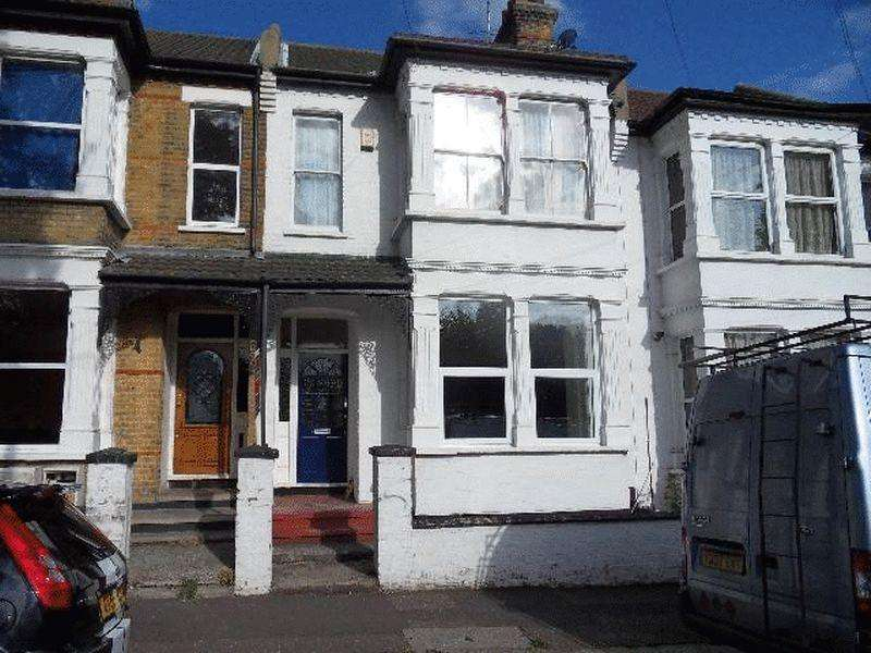 5 Bedrooms Terraced House for rent in Toledo Road, Southend-On-Sea