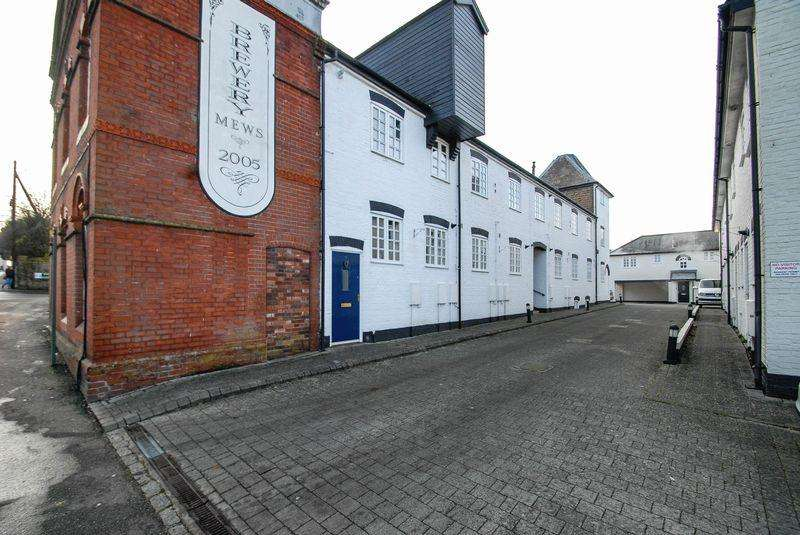 2 Bedrooms Maisonette Flat for sale in Brewery Mews, Hurstpierpoint