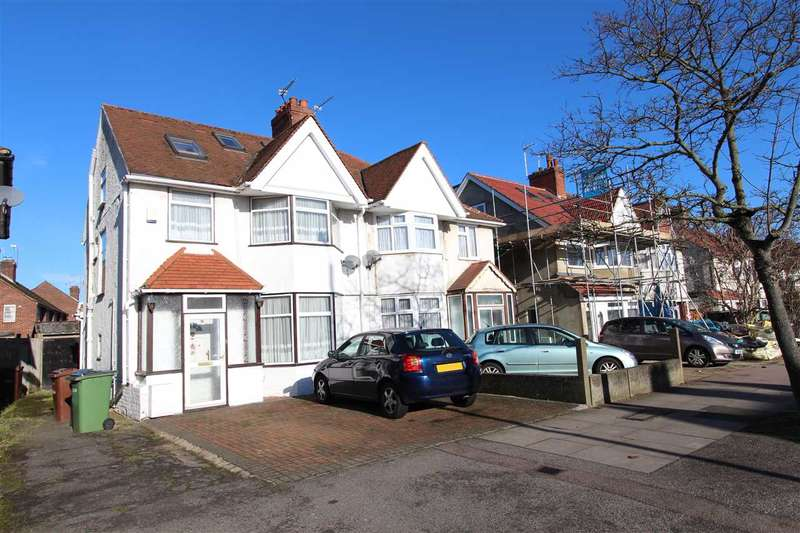 4 Bedrooms Semi Detached House for sale in Camrose Avenue, Edgware
