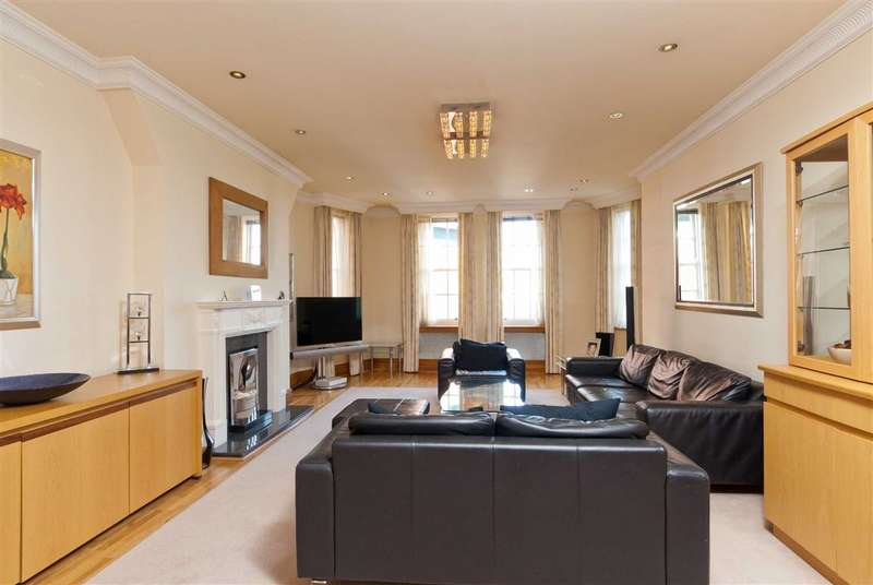 3 Bedrooms Flat for sale in St Johns Wood Court, London, NW8
