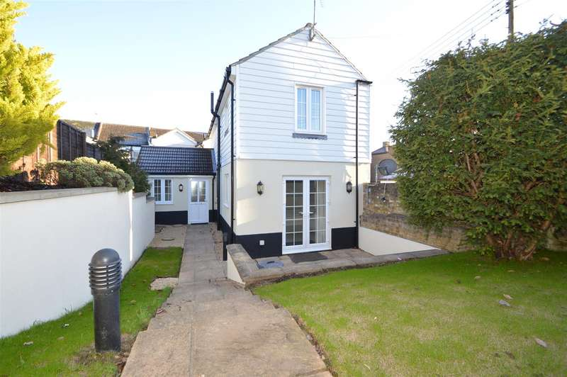 3 Bedrooms Detached House for sale in Bell Ringers House, Cemetery Road, Halling