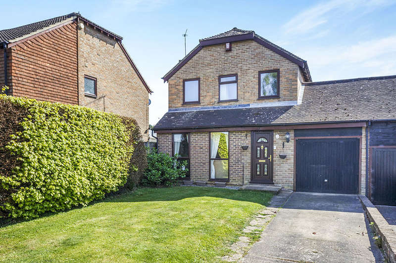 4 Bedrooms Detached House for sale in Mayfair Avenue, Maidstone, ME15
