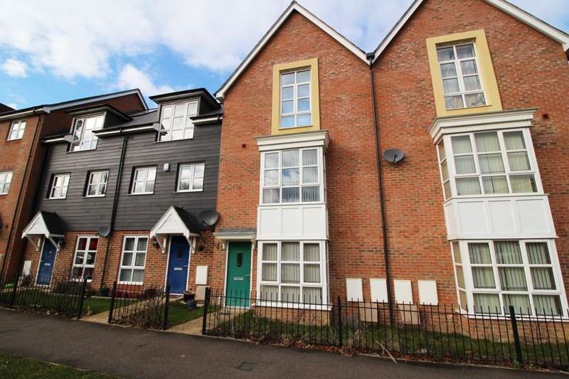 4 Bedrooms Town House for sale in Stadium Approach, Aylesbury, HP21