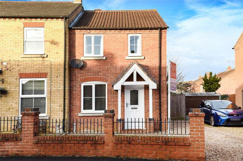 2 Bedrooms Semi Detached House for sale in Falcon Way, Sleaford, NG34