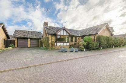 4 Bedrooms Bungalow for sale in Mortons Fork, Blue Bridge, Milton Keynes, Buckinghamshire