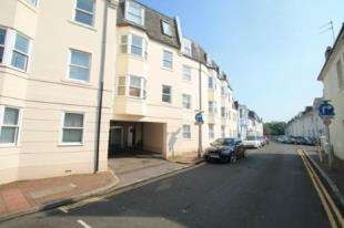 1 Bedroom Flat for sale in Marlow Court, 10-14 Park Crescent Place, Brighton, East Sussex