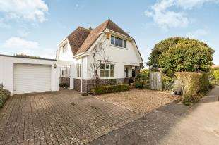 4 Bedrooms Detached House for sale in Wedgwood Road, Felpham, Bognor Regis, West Sussex