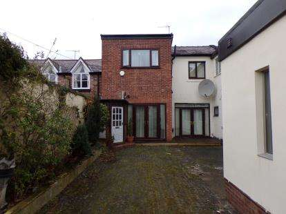 3 Bedrooms Semi Detached House for sale in Fulwood Park, Liverpool, Merseyside, L17