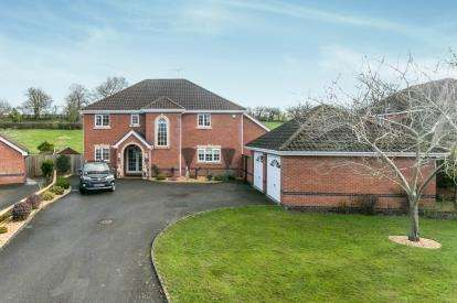 5 Bedrooms Detached House for sale in Mountfields, Bangor-On-Dee, Wrexham, Wrecsam, LL13