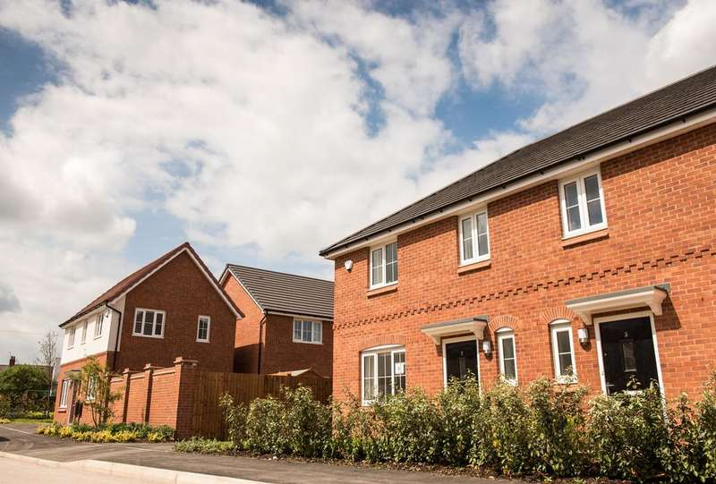 4 Bedrooms Detached House for rent in Rose Street, Chadderton , Oldham OL9