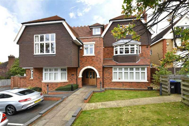 3 Bedrooms Flat for sale in Church Road, Bromley, Kent