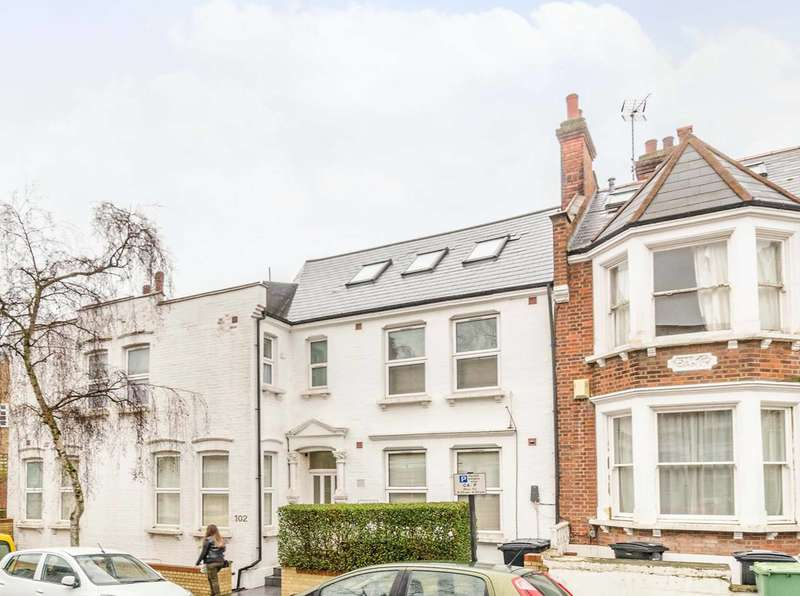 Studio Flat for sale in Sumatra Road, West Hampstead, NW6