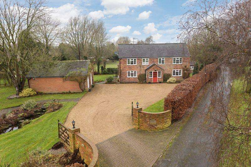 5 Bedrooms Detached House for sale in Little Back Lane, Smallwood