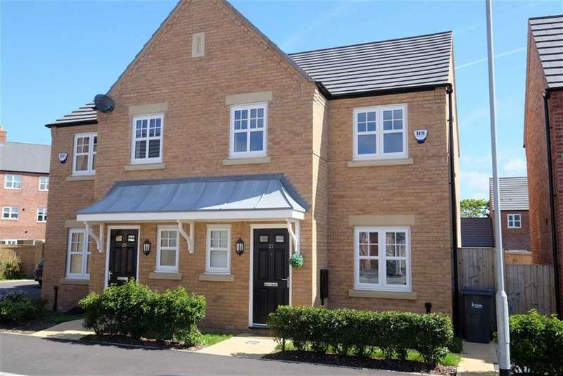 3 Bedrooms Semi Detached House for sale in Faulkner Crescent, St Annes
