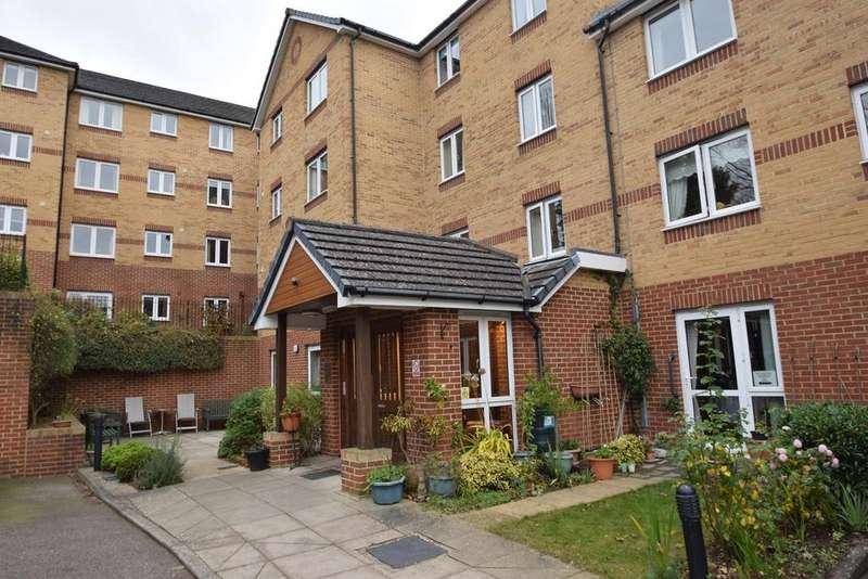 1 Bedroom Retirement Property for sale in Walderslade Road, Chatham, ME5