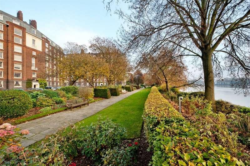 3 Bedrooms Flat for sale in Rivermead Court, Ranelagh Gardens, Hurlingham, London, SW6