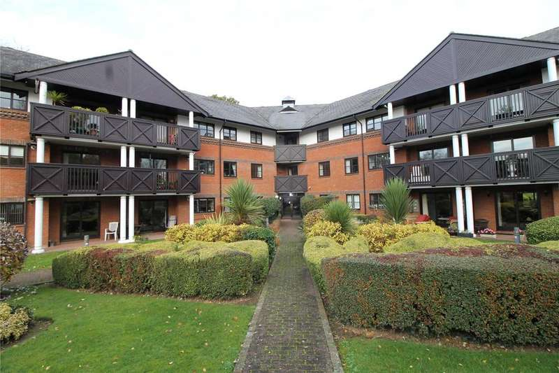 2 Bedrooms Apartment Flat for sale in Booths Court, Poplar Drive, Brentwood, Essex, CM13