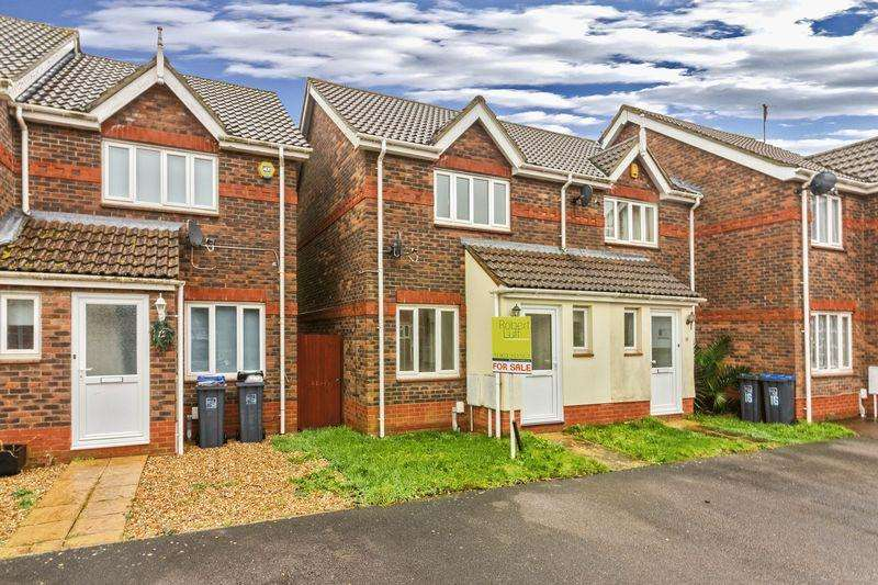 2 Bedrooms Terraced House for sale in Varey Road, Worthing