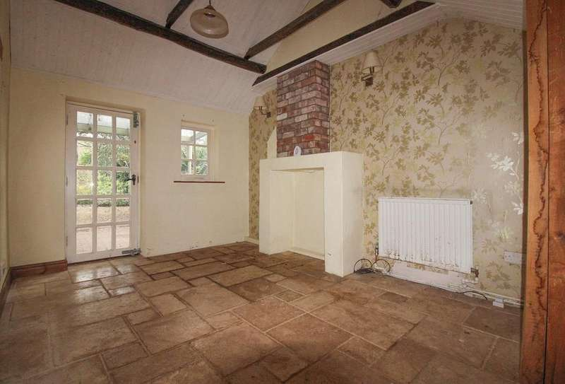 3 Bedrooms Semi Detached House for sale in Silver End Road, Haynes, Bedford, MK45