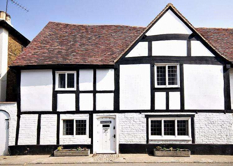 3 Bedrooms Terraced House for sale in High Street, Bray, Maidenhead, Berkshire, SL6