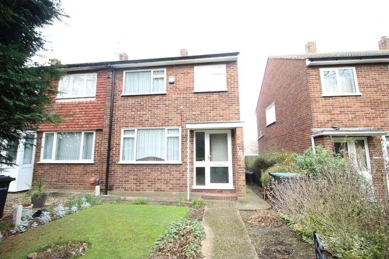 3 Bedrooms Property for sale in Hall Road, Northfleet, Gravesend, DA11