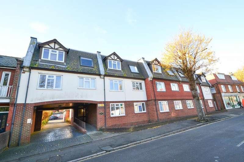 1 Bedroom Retirement Property for sale in Green Street, Eastbourne