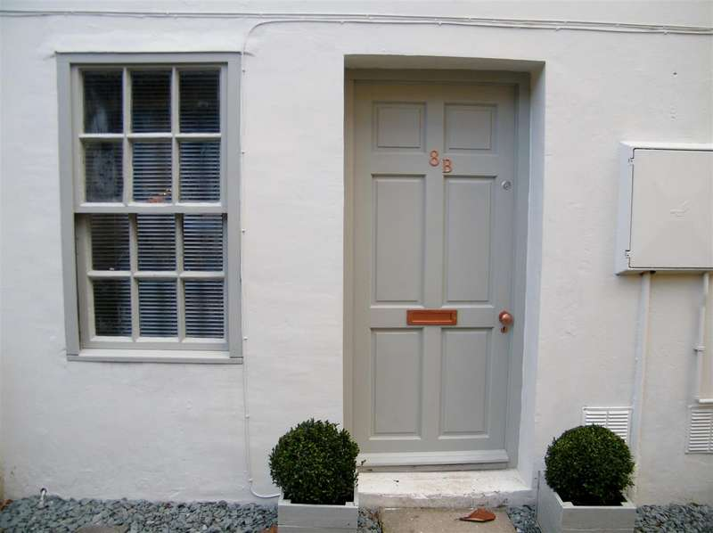 1 Bedroom House for sale in High Street, Calne
