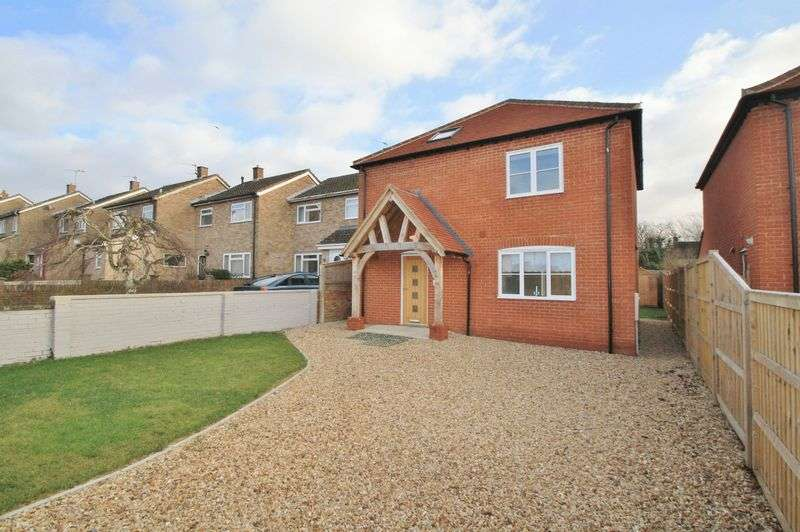 3 Bedrooms Property for sale in 4 Brinkinfield Road, Chalgrove, Oxford