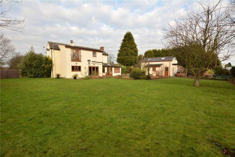 4 Bedrooms Detached House for sale in Lower Mickletown, Methley, Leeds