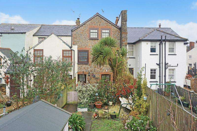 3 Bedrooms Terraced House for sale in Bridge Street, Stratton, Bude