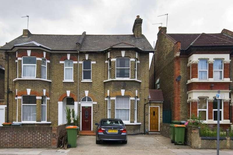 2 Bedrooms Flat for sale in Carnarvon Road, Stratford, London, E15