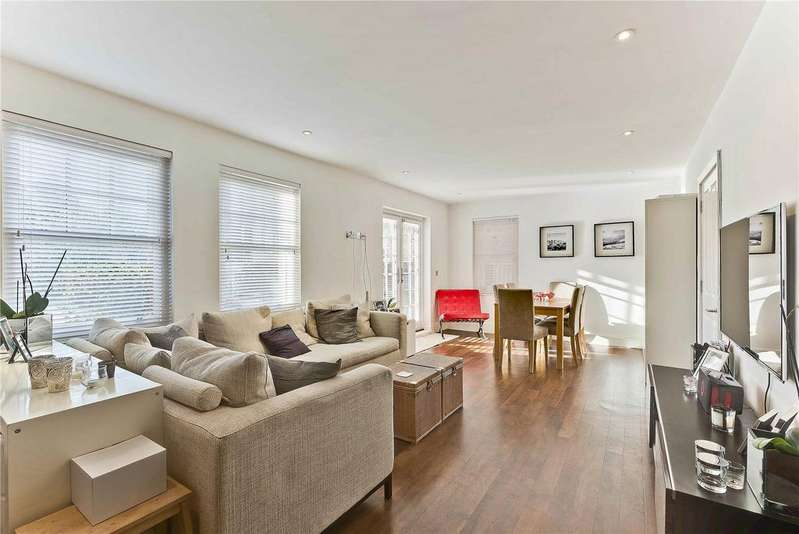 2 Bedrooms Maisonette Flat for sale in Loxwood, 20 Oatlands Chase, KT13