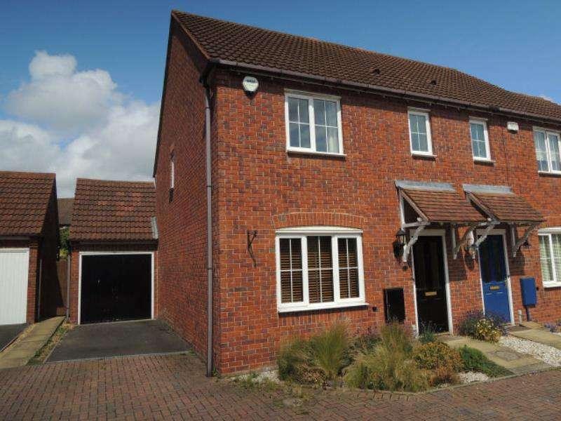 3 Bedrooms Terraced House for rent in Harvestfields, Four Oaks B75 5UG