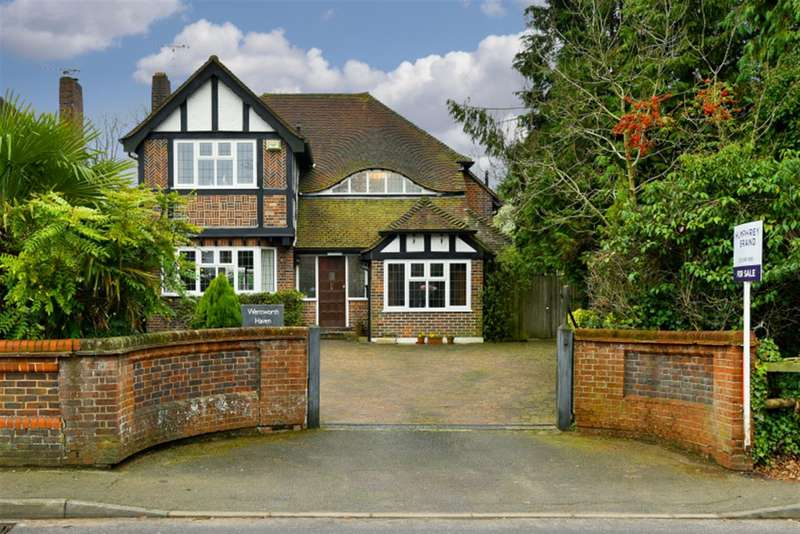 5 Bedrooms Detached House for sale in Ditton Hill, Surbiton