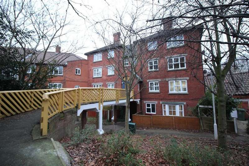 2 Bedrooms Apartment Flat for rent in Lower Street, Basildon, Essex, SS15
