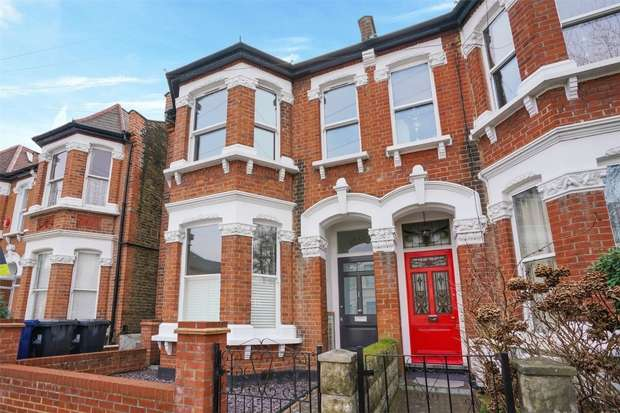 3 Bedrooms Semi Detached House for sale in Hillcrest Road, LONDON