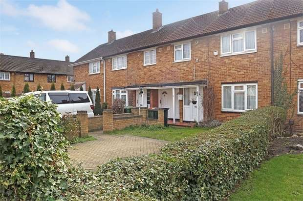 3 Bedrooms Terraced House for sale in Graham Road, London